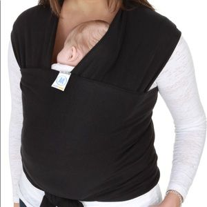 Black Moby baby wrap